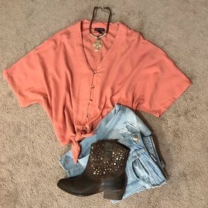 Style Envy, crop, light rust, top.